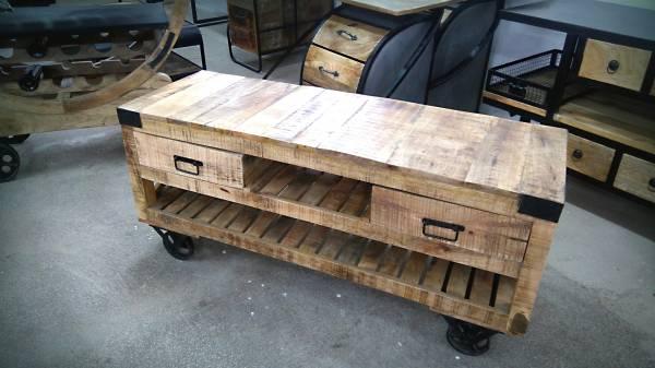 TV-Lowboard Wohnzimmer Fernsehtisch Board Massivholz mit Rädern Industrie Design